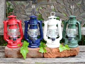 ビビットな4色 バカンスLEDランタンの商品画像