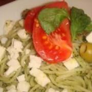 「トマトとバジルのモッツアレラチーズ冷製仕立て(株式会社パストディオ)」の商品画像