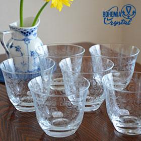 繊細で可憐なカッティング模様と、透明度と重厚感を兼ね備えたボヘミアグラスの商品画像