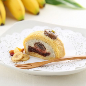 マクロビオティックケーキ  焼きバナナとリュバーブのロールの商品画像