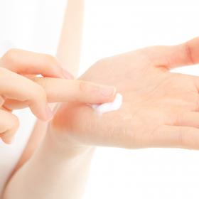 「カレントラボ NIRディフェンスクリーム 30g<6種の保湿&整肌成分配合>(株式会社スターネット)」の商品画像の3枚目