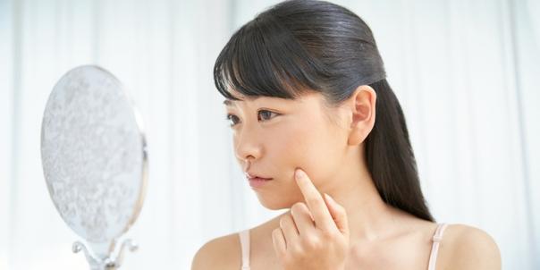 ニキビの原因「アクネ菌」の性質って? 誰の肌にもいるって本当?|BCLBRAND SITE / BCLブランドサイト